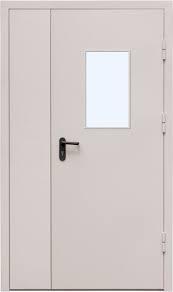 Двухстворчатая противопожарная дверь с остеклением