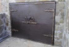 Гаражные распашные ворота с ковкой