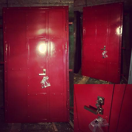 входная дверь красная лофт