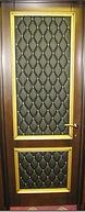 Элитная входная дверь с комбинированной отделкой кожзаменителем и МДФ