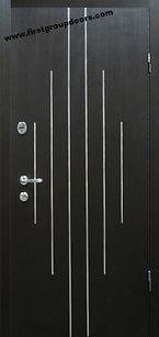 Дверь в стиле хай-тек с молдингами Венге