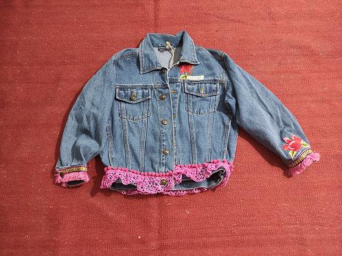 Maria Flor-Mädchen individuelle Jeansjacke, handbestickt