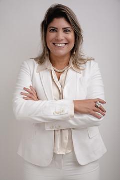 20210519 Headshot Ana Paula Bancária-9.j