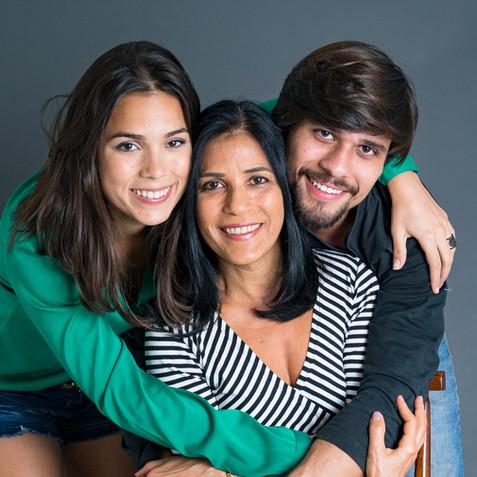 Marcela e família