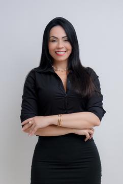 20200903 Headshot Adriana Bastos-3327.pn