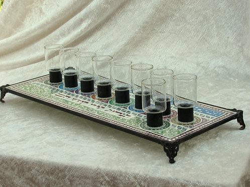 חנוכייה מעוצבת מזכוכית להדלקה בשמן