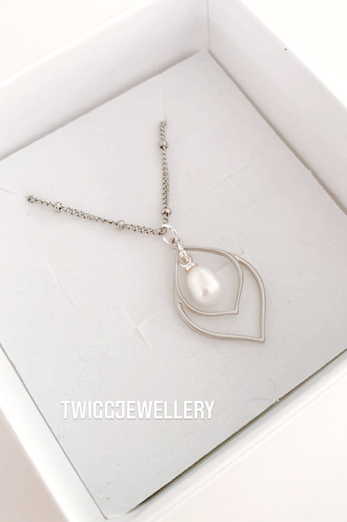 FLAPPER Deco pearl necklace