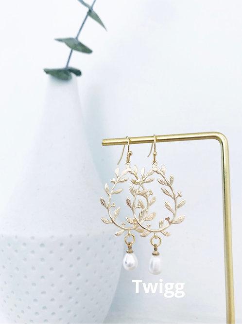Grecian pearl earrings