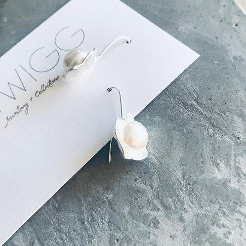 Sterling silver pearl poppi earrings