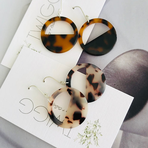 Tortoiseshell orbit earrings