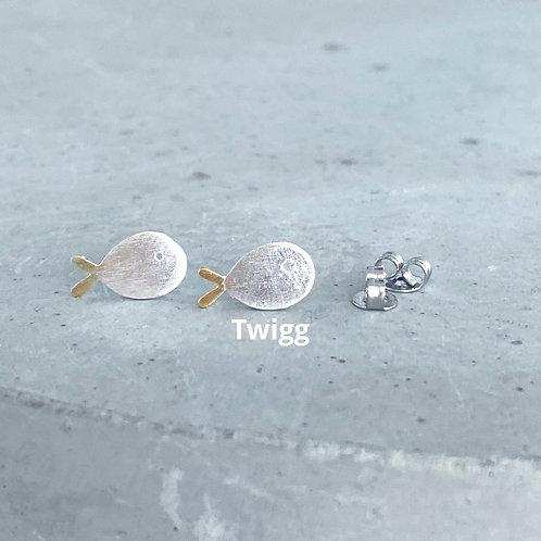Little fish big ocean stud  earrings