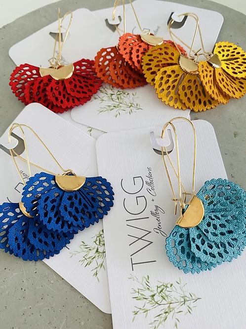 Perforated fan earrings