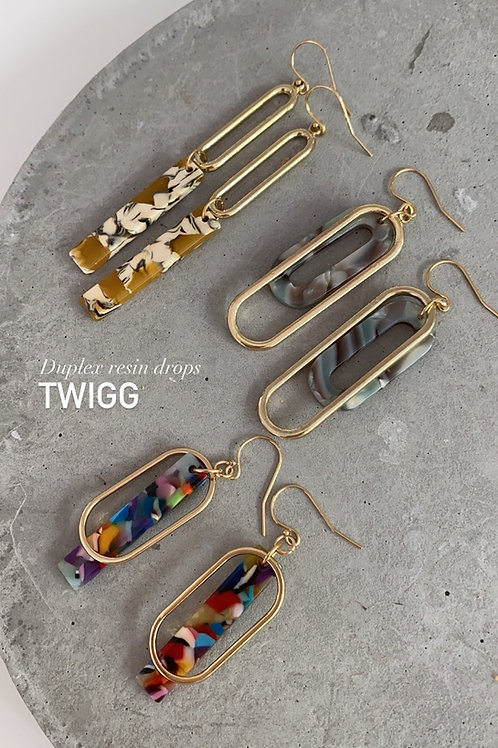 Duplex resin drop earrings