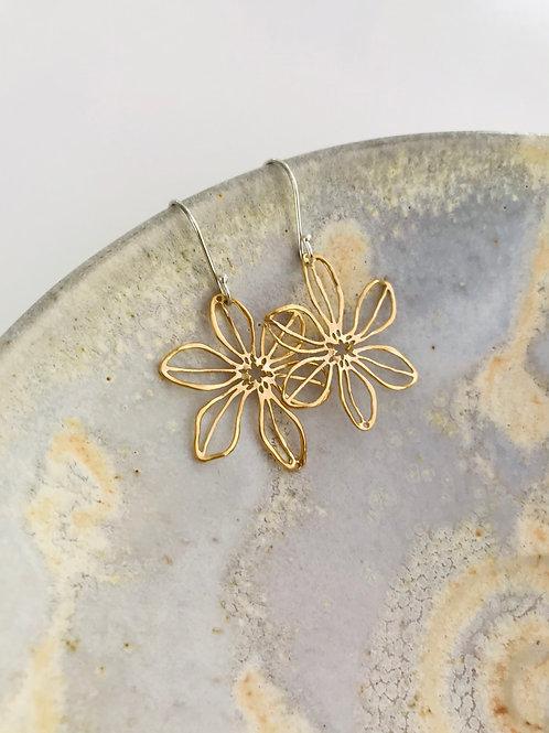 Cosmos flower earrings - Gold