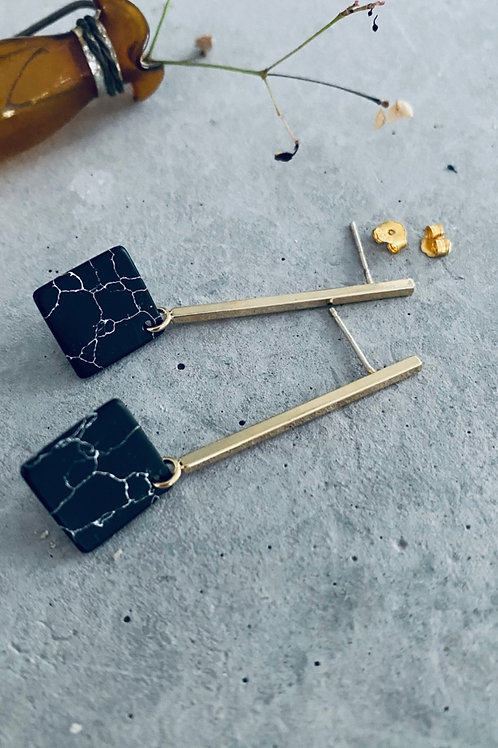 Copy of Pinned marble rod earrings - black square