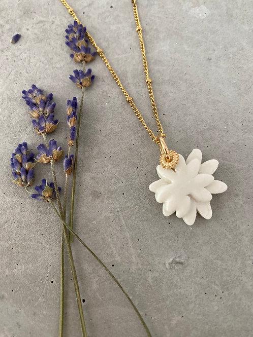 Daisy porcelain  necklace