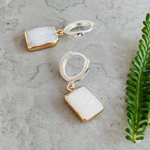 Pearl clamped earrings