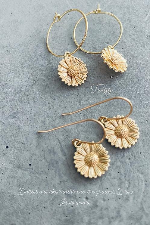 Golden daisy earrings -hook