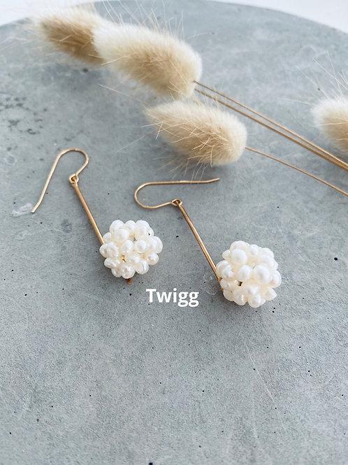 Rod Pearl cluster earrings