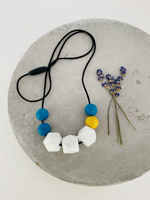 Little jayed silicone necklace