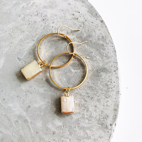 Vous mother of pearl earrings