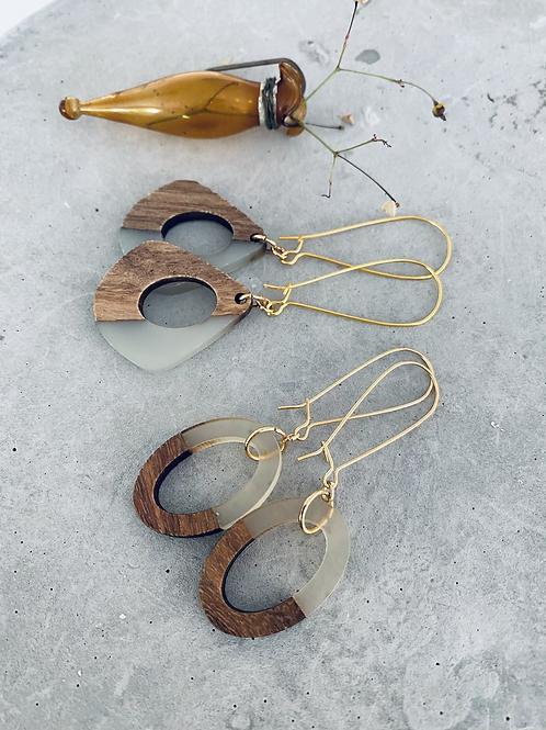 Resin + wood earrings - frost oval