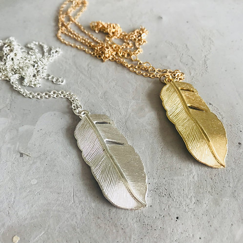 Bold feather Pendant Necklace