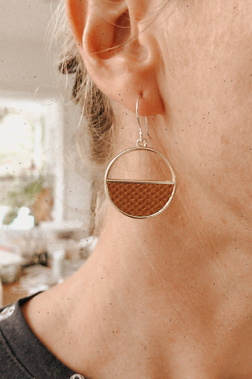 Textured Orbit earrings