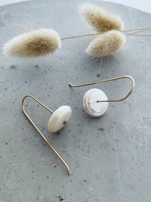 Disc pearl earrings