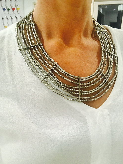Indi layer necklace