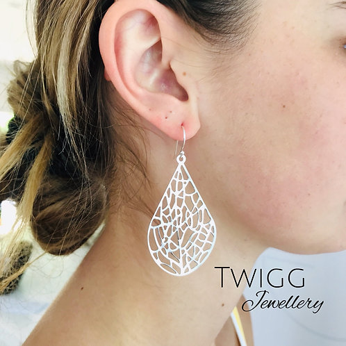 Filigree lulu earrings