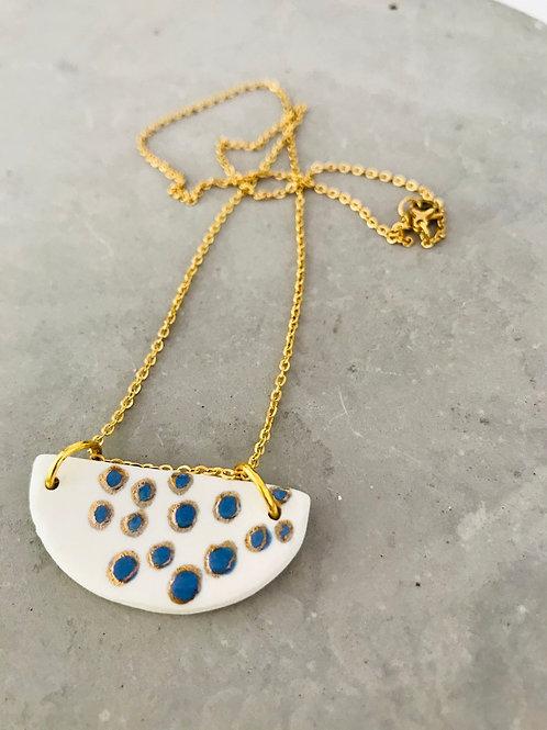 Wave bubbles crescent necklace