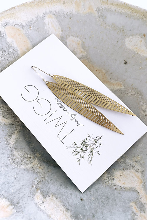 Spined leaf Satin brass earrings