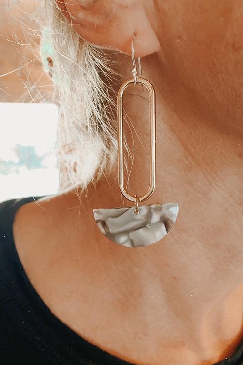 FOG acrylic oval double earrings
