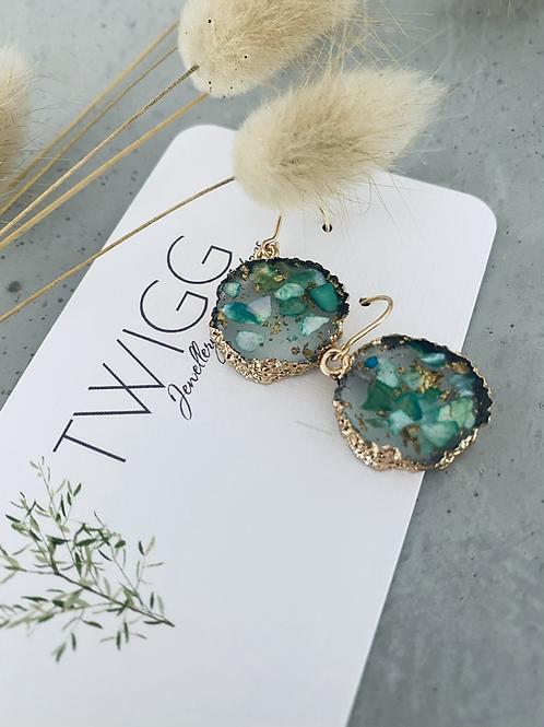 Eve resin gold rimmer earrings