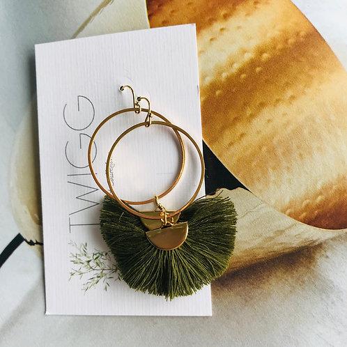 Isabella Circe fan earrings