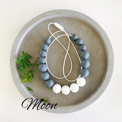 Moon (W)