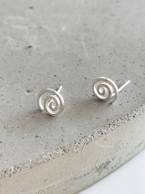 Whirl sterling silver stud earrings