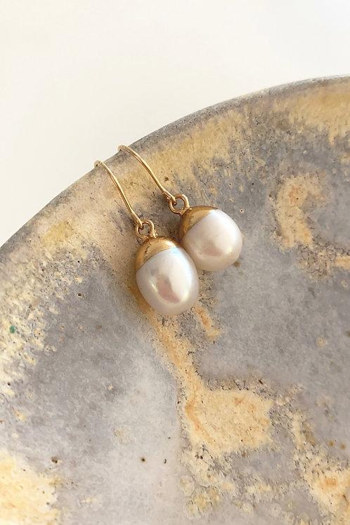 Bulb pearl earrings