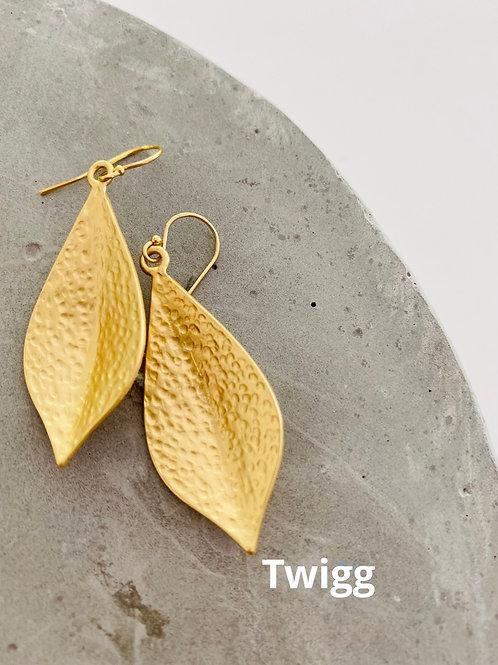 Matte gold CL leaf earrings