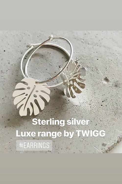 LUXE GLOBE MONSTERA LEAF