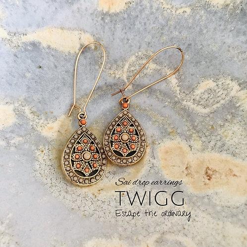 Sai gold drop earrings
