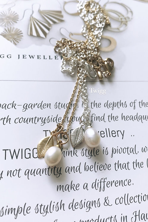 Liberty pearl leaf necklace
