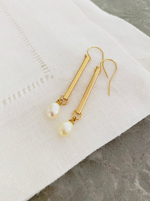 Katie + rod pearl earrings