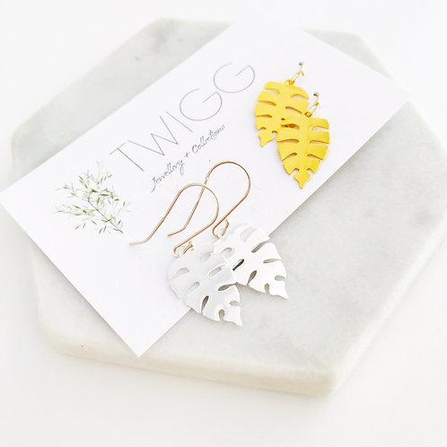 Guilded monstera leaf earrings - gold