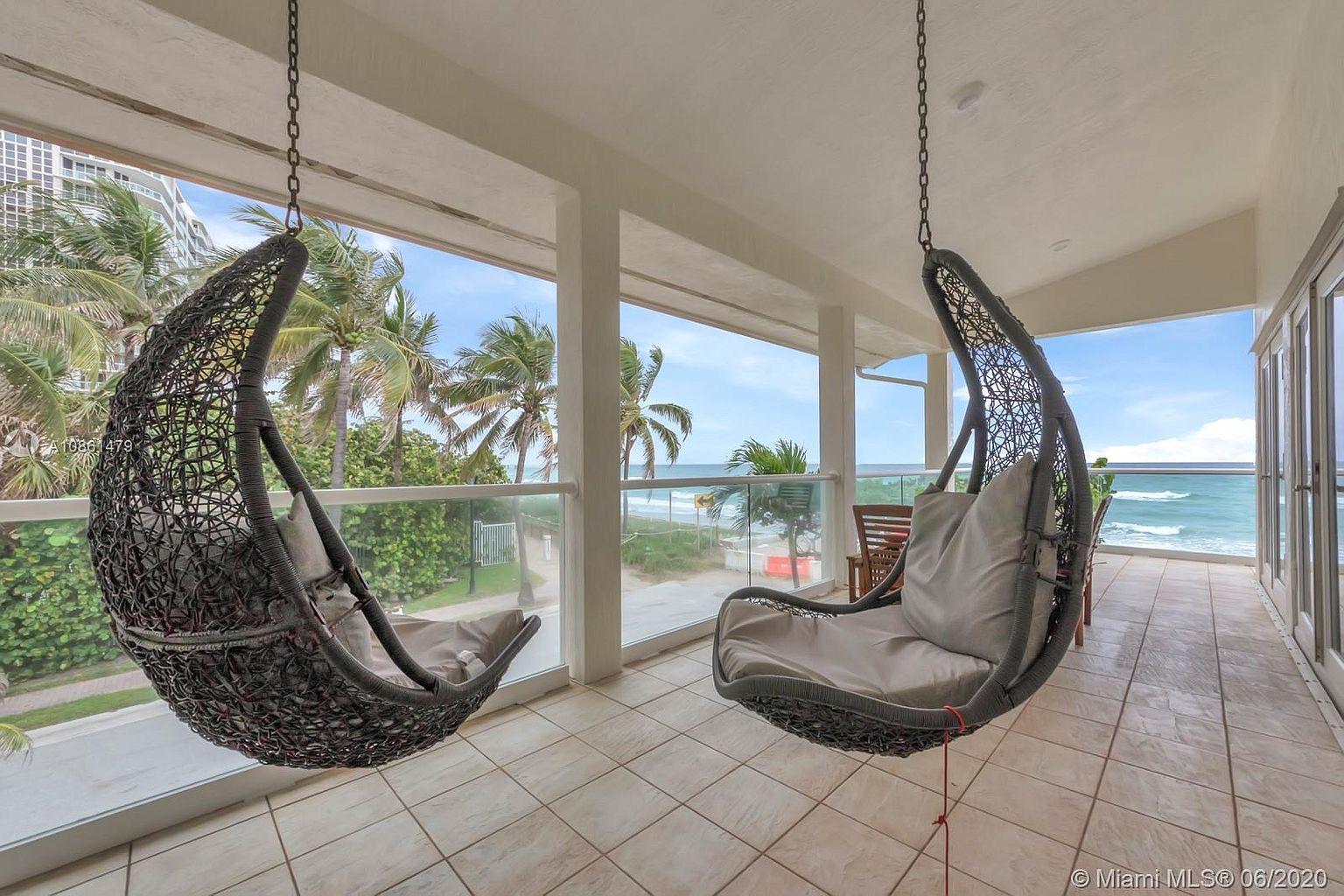 balcony chairs.jpeg