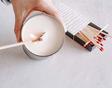 how-to-light-a-wood-wick-man-candle.jpg