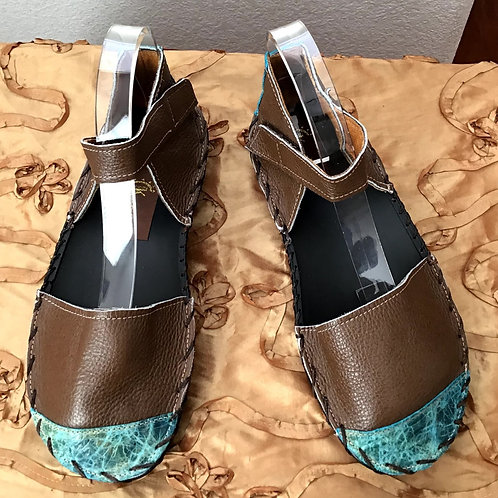 Brown with turquoise tips sandals