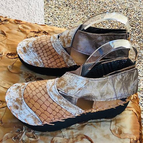 Criss Cross beige sandal