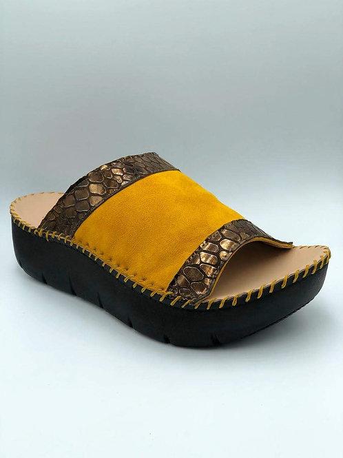 Open toe mustard slide
